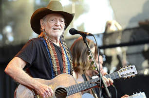 Willie Nelson, Paul Simon, Bonnie Raitt to Play Harvey Benefit Show